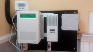 Programming the inverter and the charge controller