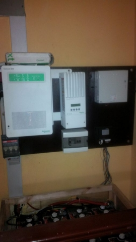 Schneider Electric SW2524 and Conext MPPT 60 US Battery Mfg